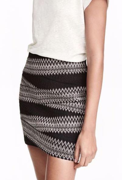 H&M mini bandage skirt (all white)