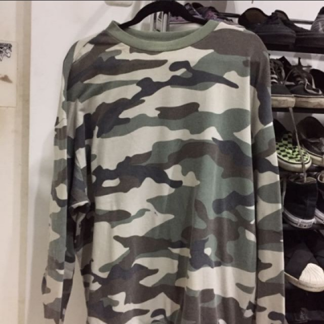 H&M sweater army