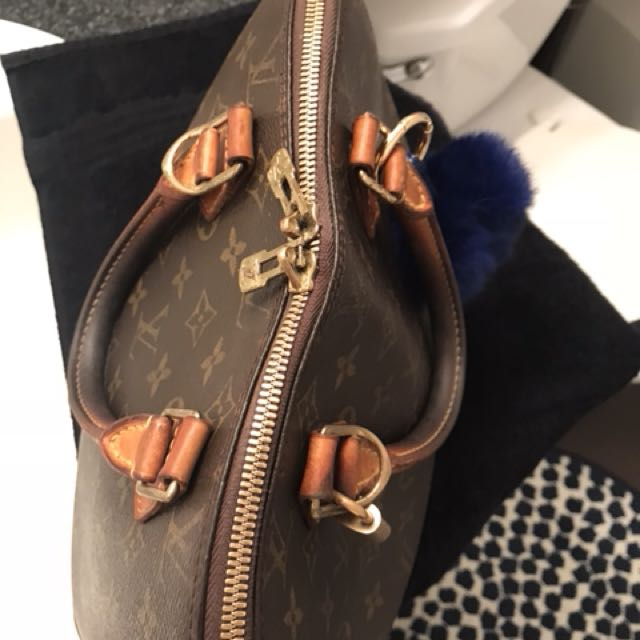 Louis Vuitton. 100% Authentic