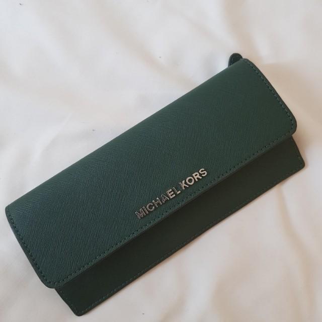 Michael kors jet set flat wallet