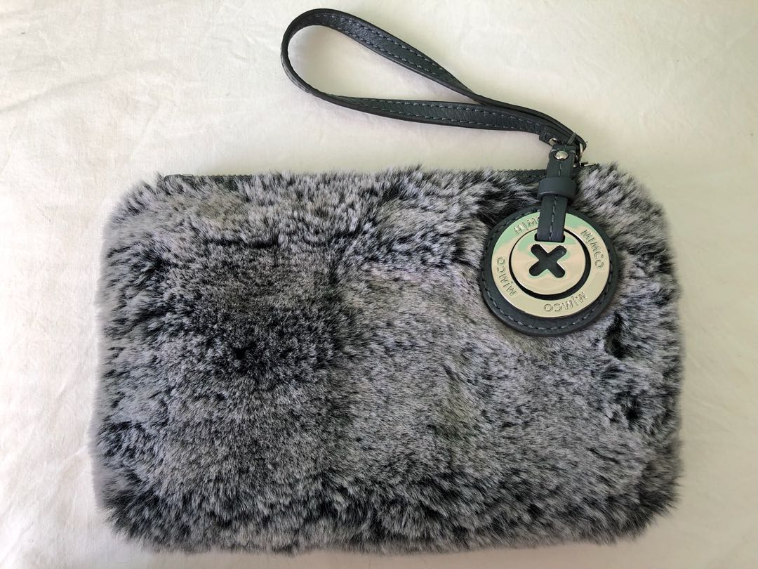 mimco cuddle me pouch