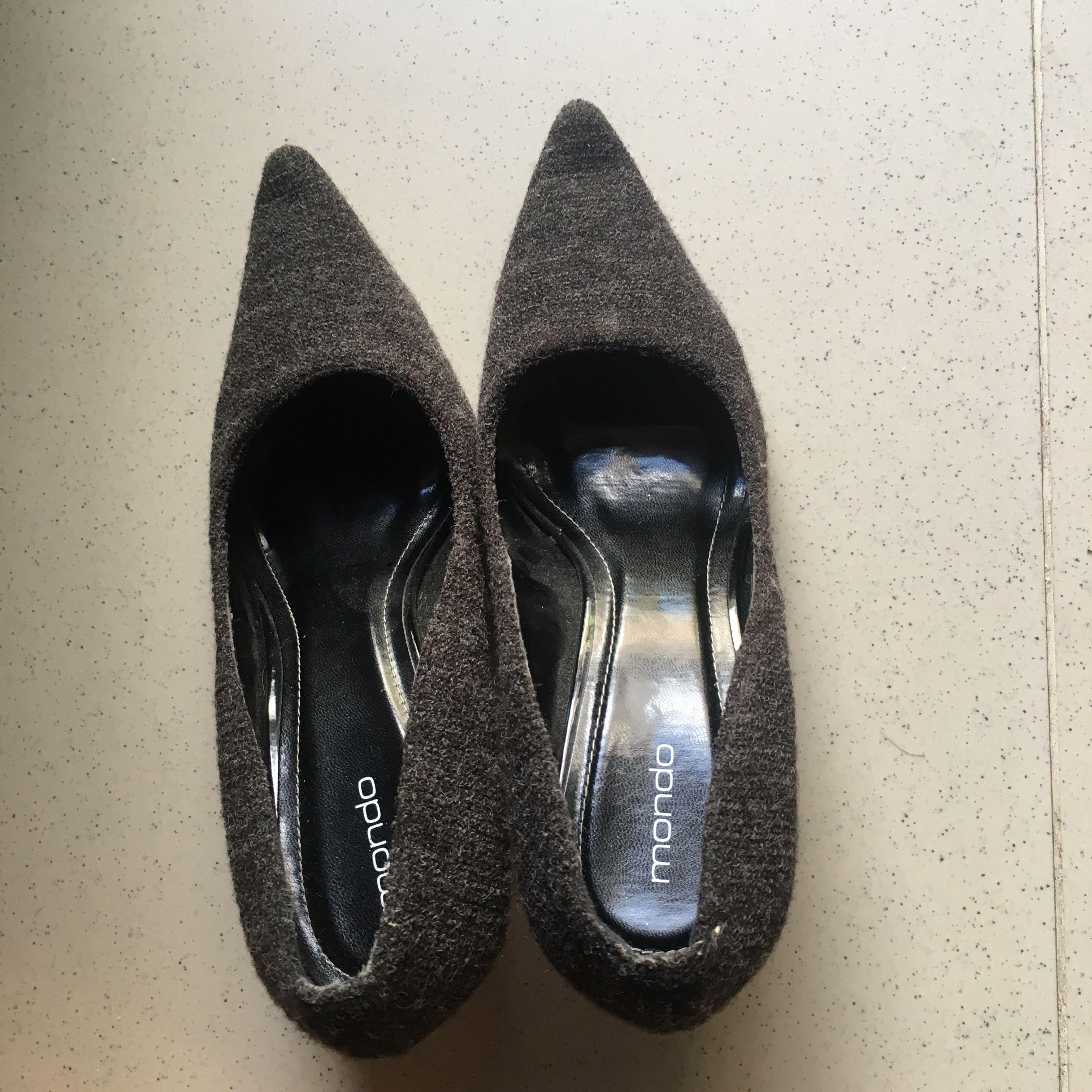 Mondo heels