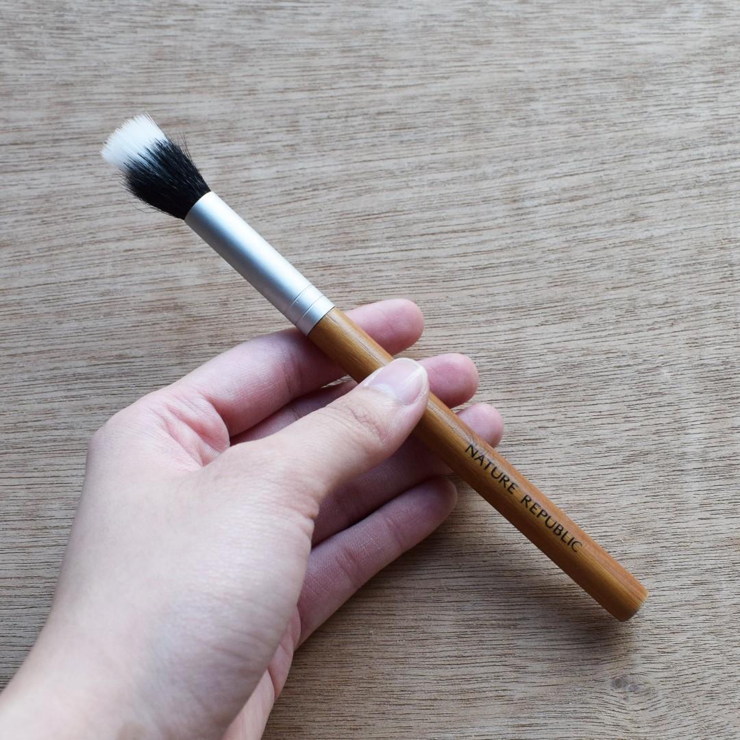 Nature Republic Highlighter Makeup Brush