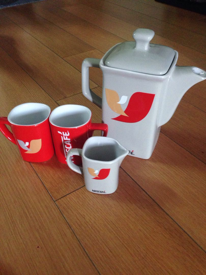 Nescafé limited edition set