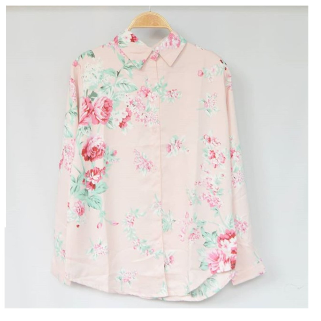 NEW Delia flowy top