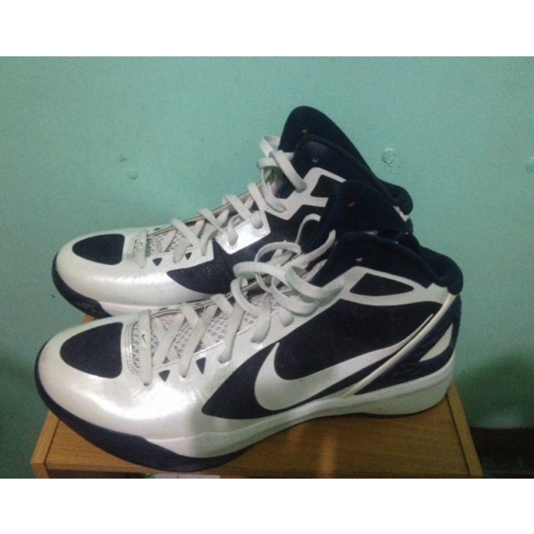 AUTHENTIC Nike hyperdunk flywire