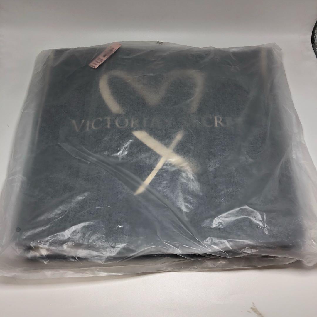 NWT 2017 Victoria's Secret Black/Gold Logo Heart/Love Tote Bag TAS