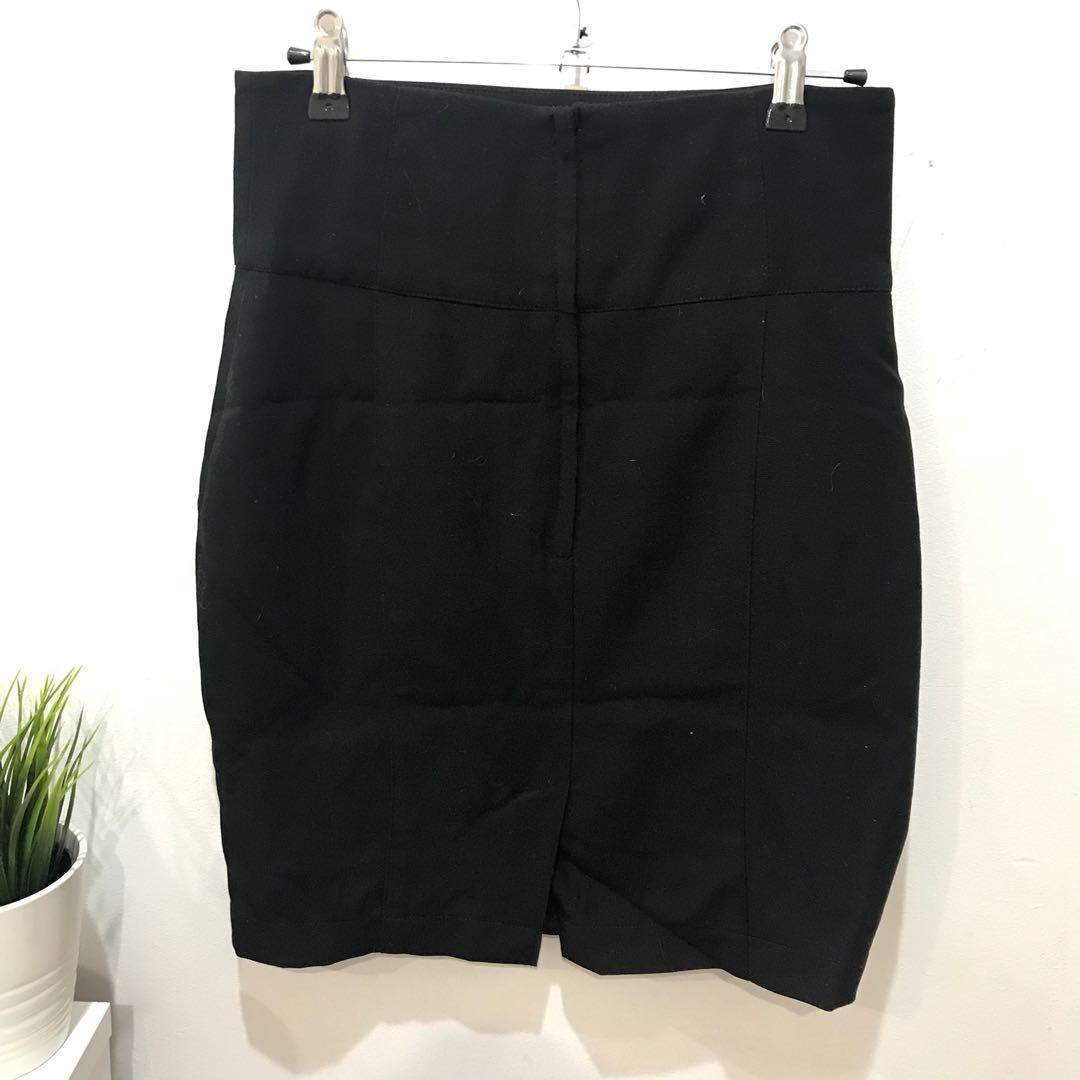 Portmans Office/Work Black Skirt - Size 6