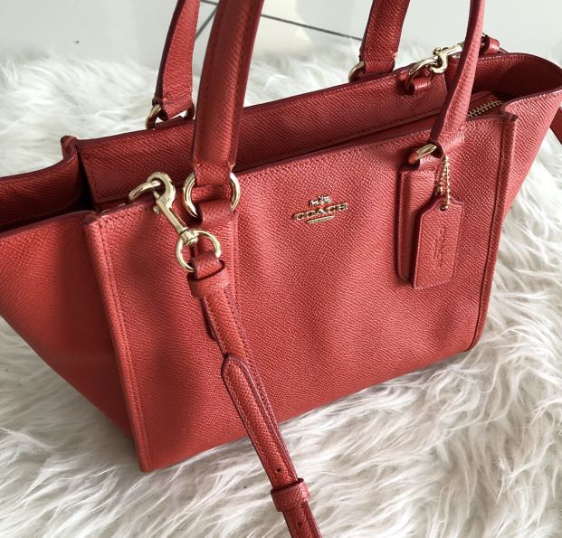 Pre 💓 Coach Crosby carryall in crossgrain leather