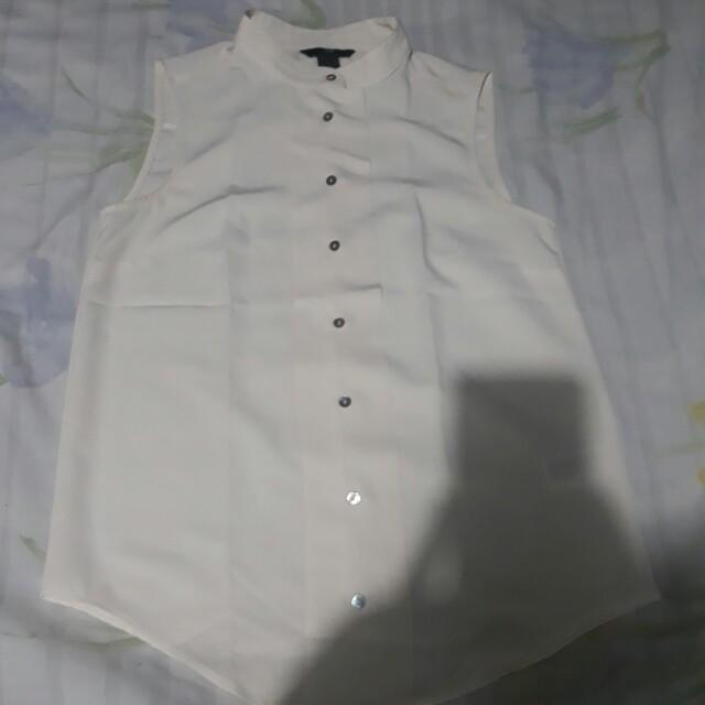Preloved H&M sleeveless polo