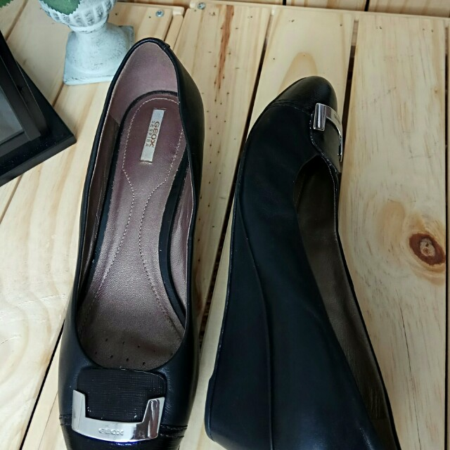 Preloved Sepatu GEOX RESPIRA Hitam Kulit Original b7abd1eac3