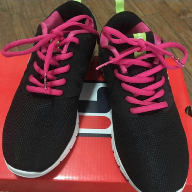 rubber shoes fila size 36
