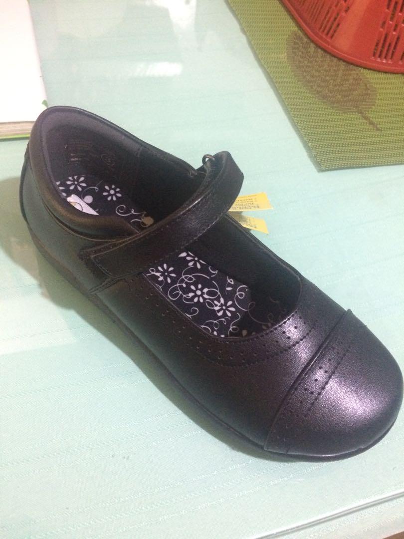 School shoes (grade school)