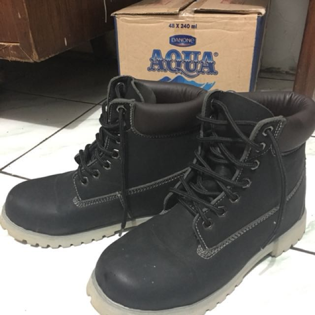 Sepatu fashion/boots winter shoes musim dingin