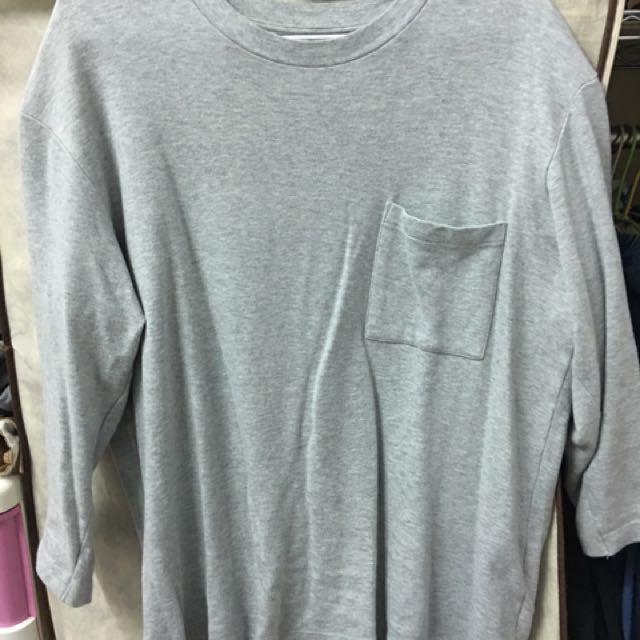 Uniqlo灰色七分袖