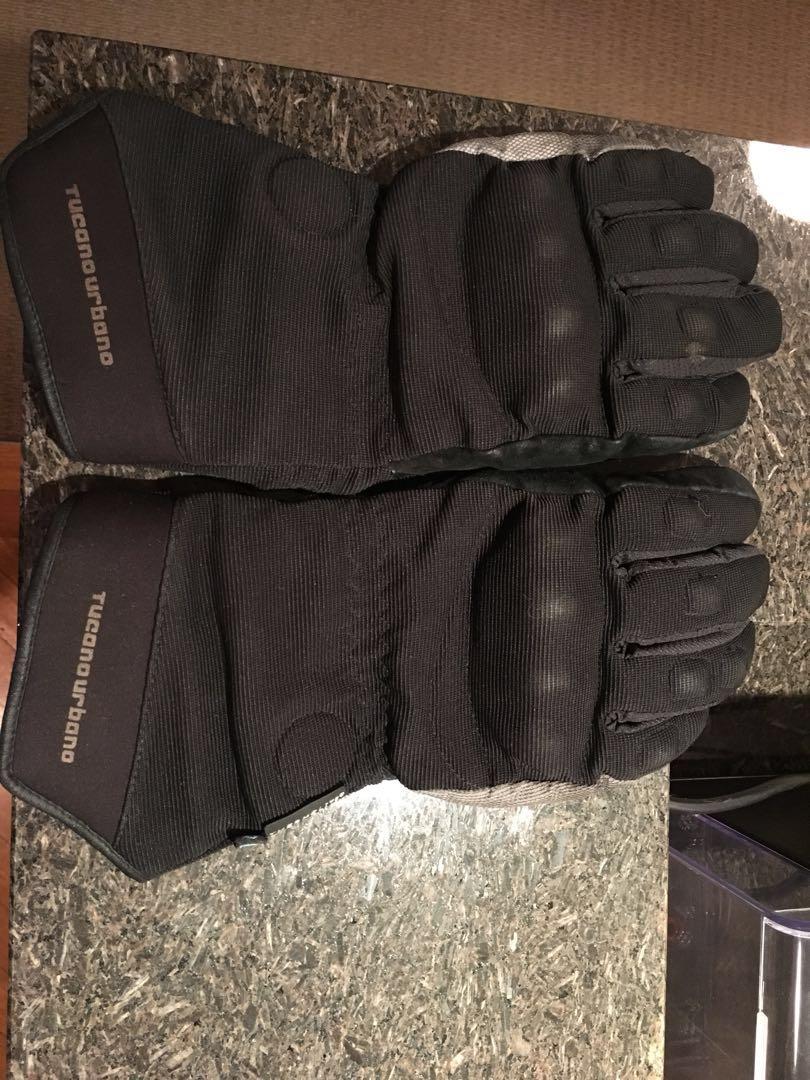 Water resistant winter motorcycle gloves Tucano