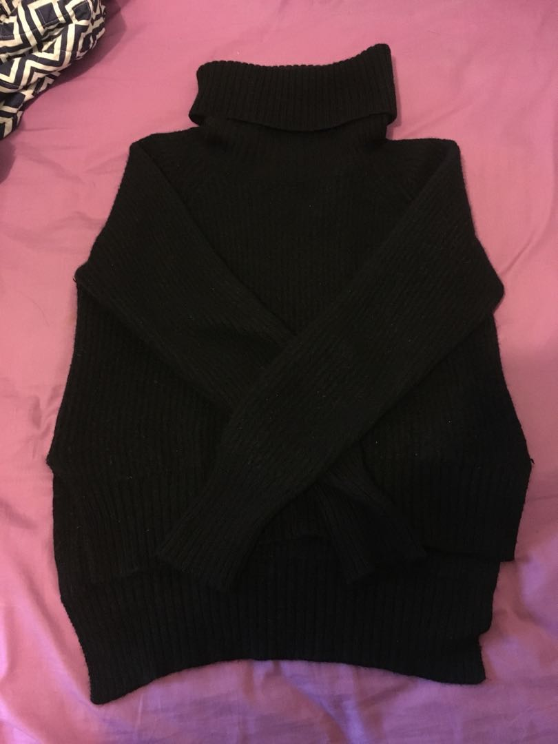 Wilfred black sweater