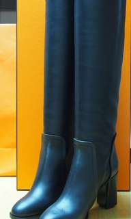 Hermes Penny Boot, size 36.5. Full set with shop receipt.