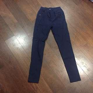 深藍色色褲