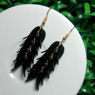 Anting Untai Hitam