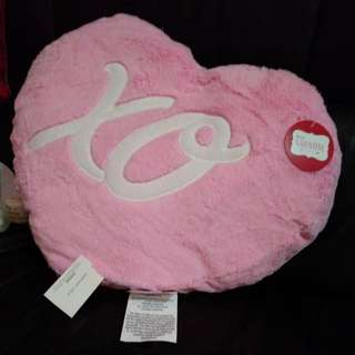 Heart-shaped cushion 抱枕 攬枕 心形 情人節生日禮品 禮物