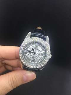 Price reduce-Women watch (25 hrs)