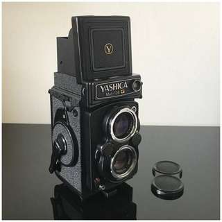 Yashica Mat 124G TLR Camera
