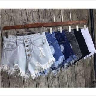 四釦牛仔短褲
