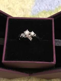 Mabelle 18k鑽石戒指 0.18ct 0.11ct  13圈左右 款式比較特別 好閃 原8900左右 半年都冇 帶幾次