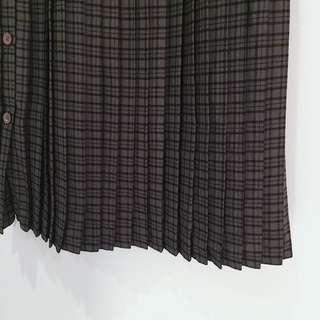 售出___✼暗綠格百褶裙✼ 側邊排扣裙子 スカート 一片裙 學院橄欖格紋 ulzzang 裝苑 下北澤日本古着 Vintage