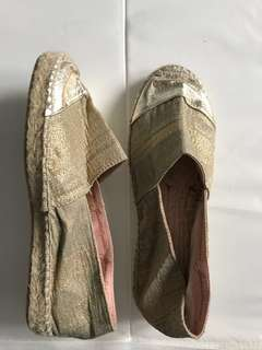 NEW Size 6 Gaiam Espadrilles Made in Spain