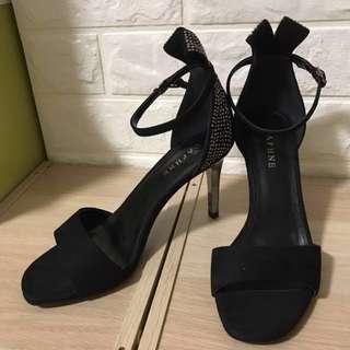 🚚 達芙妮 繞踝亮鑽 高跟涼鞋