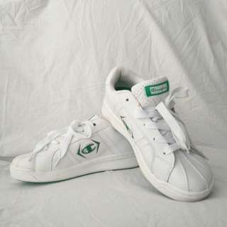 BNWT Vintage Champion Sneakers