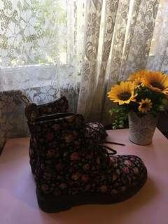 Floral doc martens