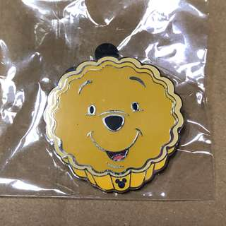 香港 迪士尼 徽章 Disney Pin Game PIn 蛋撻 維尼 Pooh