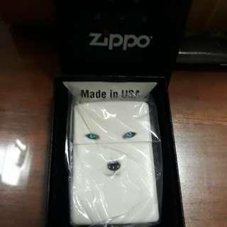 Zippo white