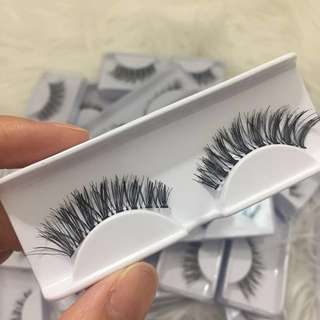 Cat Eye Eyelashes $2