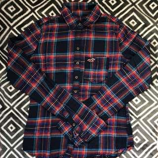 🚺 Hollister Shirt