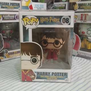 Funko POP Harry in Quidditch Robe 08