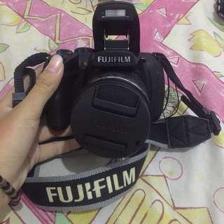 FUJIFILM SLR FINEPIX HS 25 EXR