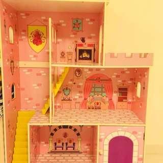 Doll house / Castle
