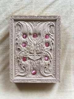 Kruba krissana Roman butterfly amulet 2560 (1 free gift)