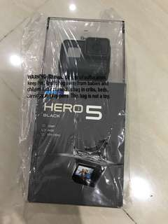 GoPro Hero 5 Black NO WARRANTY GIFT