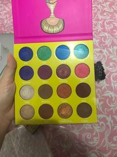 Juvias place eyeshadow