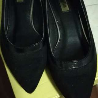 Figlia black shoes with heels size5