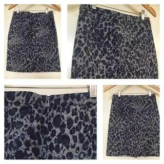 Sportscraft Leopard Print Skirt .. Size 6