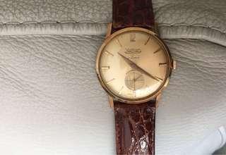 Waltham 18K gold watch 33mm