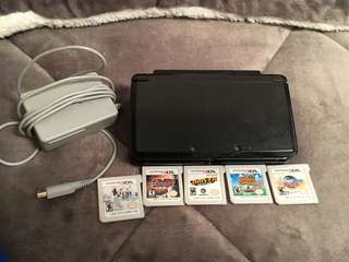 Nintendo 3DS w/ Games
