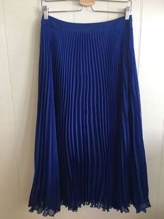 Electric blue swing crimped skirt - size 10