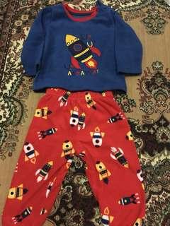 1 set baju tidur merk earlydays 6-12